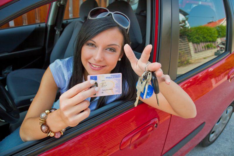 Za propadlý řidičský průkaz hrozí pokuta. Vyřiďte si nový v předstihu