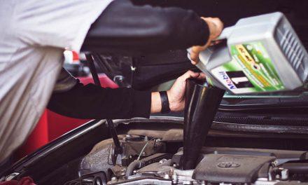 Je možné se v autě obejít bez motorového oleje?