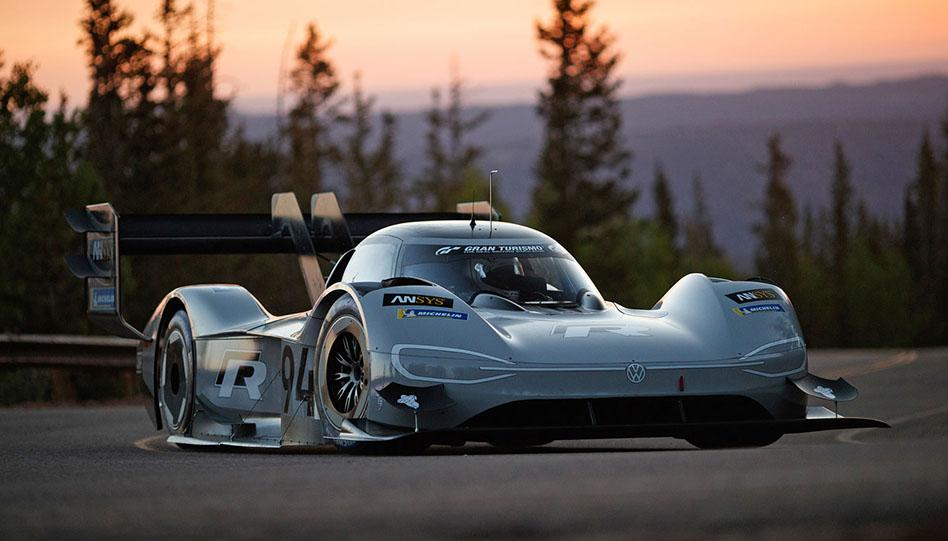 Elektrický sporťák od Volkswagenu pokořil absolutní rekord Pikes Peak