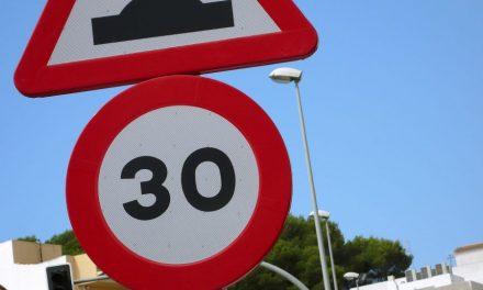 """Dopravní značky, které si """"umějí"""" sjednat pořádek"""